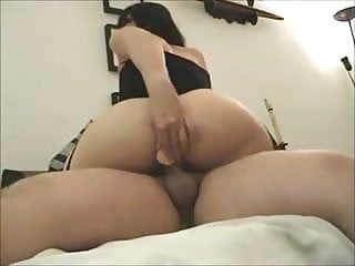 Bubble ass getting fucked - Amateur bubble butt gets anal on real homemade