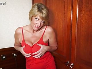 Grannys hot wet pussy - Hot amateur british granny playing with her wet pussy