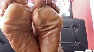 Mature Ebony Goddess feet
