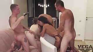 PHOTO SESSION THAT TURNED INTO A BISEXUAL ORGY (1)