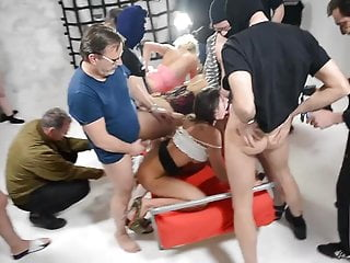 Julie shemale Julie skyhigh 1st gangbang high heels 40cumshots