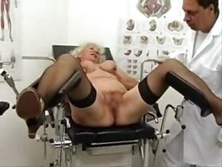 Sex machine photos Granny norma works out on a sex machine