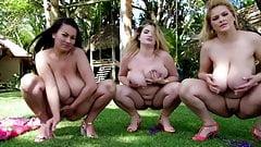 島の3人の女の子