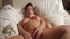 BBW pussy and ass dildoing