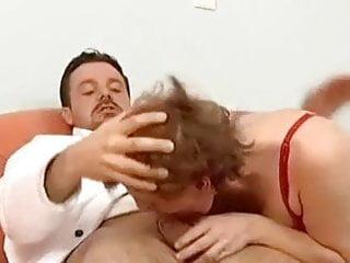 Omi sexy Older milf getting wild - omi so richtig scharf drauf
