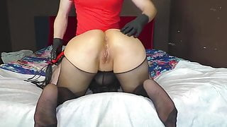 mature milf loves spanking and anal sex
