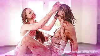 GIRLS AND FOOD - A Messy Compilation