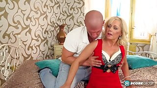 BLONDE MILF IN STOCKINGS GETS FUCKED DOGGYSTYLE
