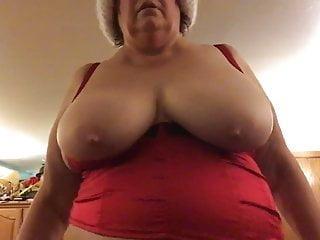 Girls jiggling their boobs Jiggle boobs