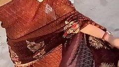 Slutty desi big round ass in saree