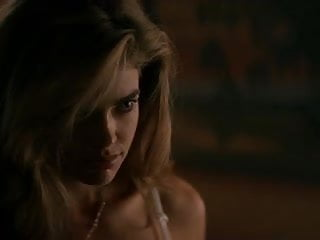 Where the wild things fuck movie Denise richards neve campbell - wild things compilation