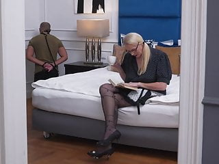 Young boy fuck mum free video - Mature domina mom and young boy fuck each other