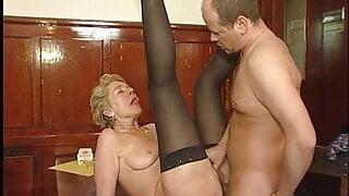 Alte Kellnerin im Hofbrauhaus gebumst, was eine nasse fotze