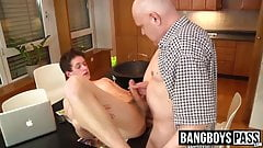 Skinny young twink loves mature wood