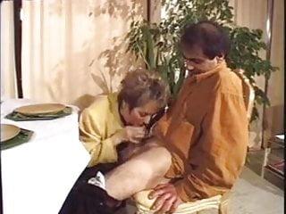 Salope nude gasconne Une bonne vieille salope
