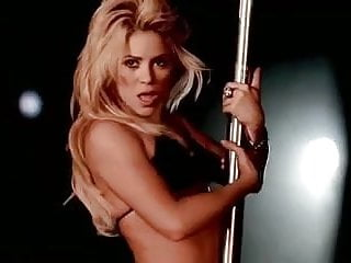 Shakira cum Shakira rabiosa ,pole dance