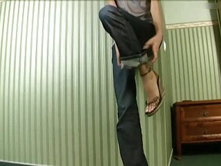 Porn long legs sandals - Incredible long feet and toes in very cute wedge sandals.