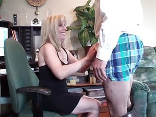 Escort lee carol Carol cox - fun fan facial