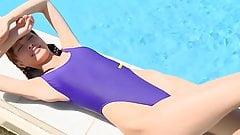 Горячее азиатское развлечение в Swimpool - без обнажения