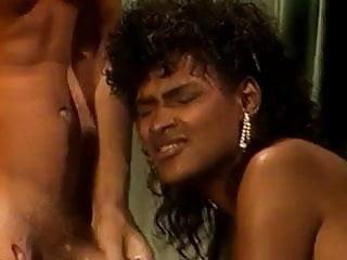 ebony retro pornostar
