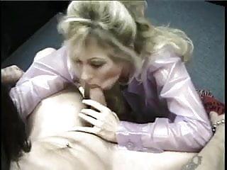 Elizabeth bank tits Classic hugetitted elizabeth starr bj