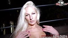 Deutsche Blonde Schlampe angeschleppt in Berlin zum Public Sex - EROCOM DATE
