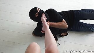 I worship the bare feet of a young lady - From her POV