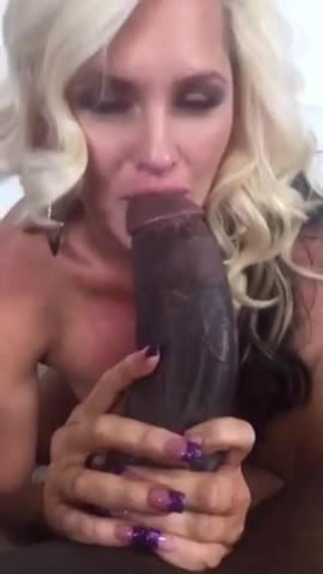 Black Teen Sucking Dick Public