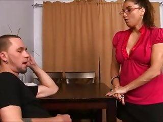 Naughty twink mmf porn - Naughty aunty