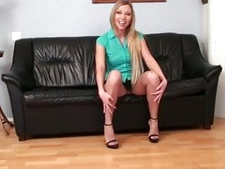 Pantyhose 8inch high heels Hot blond solo pussy play in pantyhose high heels