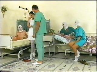 Xxx gyno klinik Die piss klinik