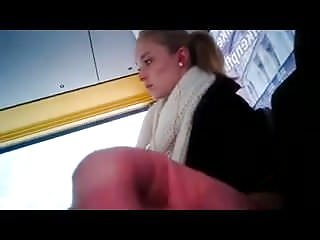 A good look at pussy She has a good look at bus flasher.flv