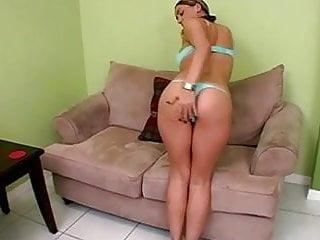 Michelle trachtenberg in a bikini Hottie in a bikini. joi