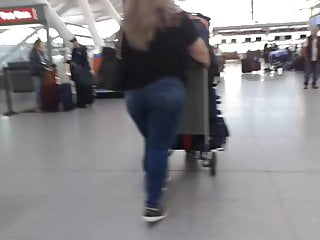 Thick blond latina ass butt - Thick ass gilf latina at the aiport hustling luggage pt 1