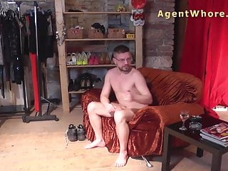 Gay guy test - Reverse casting - sexy milf tests a guys licking skills
