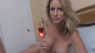 Amateur mature stepmother - fuck to orgasm