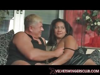Swapping couples porn - Velvets swingers club real amateur mature couples swapping