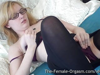 Live female orgasm on the internet Pure finger rubbing masturbating coed with nice tits