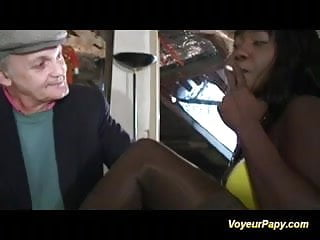 Gay car oral sex Papy is banging a black beauty anal and deep oral sex