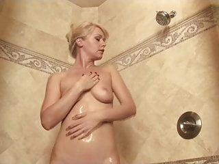 Big shower girl in bikini Beverly lynne - bikini royale 2: the right to bare all 02