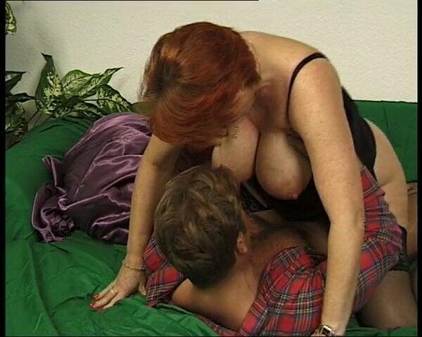 Free download & watch oma mit ganz dicken festen titten und geiler fotze xheIObH porn movies