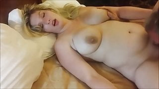 All natural blond milf squirting as she gets her pussy eaten