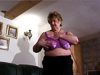 Beautiful mom sex vids Beautiful bbw granny vid