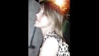 filmou esposa transando na rua com macho desconhecido