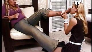 Training Maid – worshipping mistress' feet