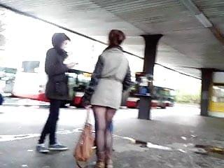 Milfs near u Young sexy legs near metro sexy beine an der u-bahn