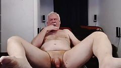 Dadddy cums on cam