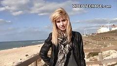 Застенчивая блондинка-тинка, первый порно кастинг