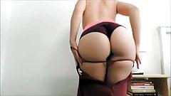 Latina sexy skirt twerk