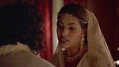 Indira varma y sarita choudhury en una película de kamasutra
